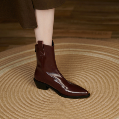 2021 Leather Short Cowgirl Boots Pointed Toe Western Ankle Boots with Heels