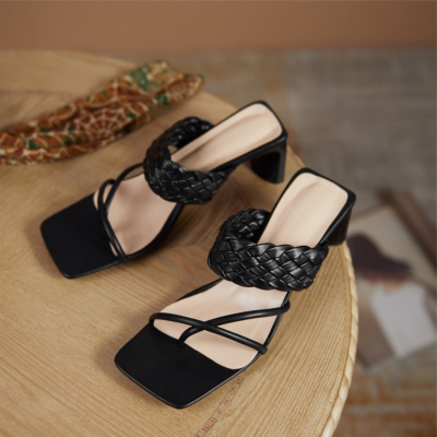 2021 Summer New Arrival Black Leather Woven Mule Heel Sandals