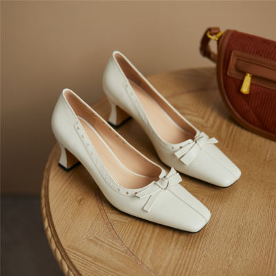 White Block Low Heel Comfy Wedding Shoes Closed Toe Pumps With Bow