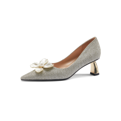 Silver Glitter Pointed Toe Metal Low Heel Pearls Flower Buckle 2021 Bridal Sequin Shoes