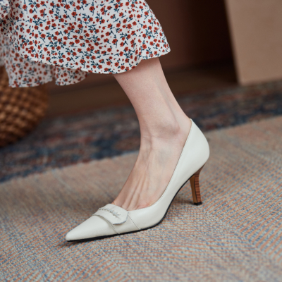 White Vintage Leather Pointy Toe Wooden Stilettos Heel Pumps 2021 Shoes